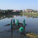 UBAITABA: LAGO FERNANDO LONA PEDE SOCORRO,  PREFEITURA REALIZA LIMPEZA