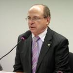 TRE PODE TIRAR MANDATO DE  ROBERTO BRITO POR PROPAGANDA ELEITORAL PAGA COM DINHEIRO PUBLICO