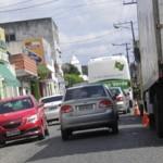 AURELINO LEAL: COMERCIANTES COBRAM ACESSO DE MÃO E CONTRAMÃO NO CENTRO DA CIDADE