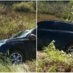 MARAÚ: CARRO CAPOTA NA BR 030 E CAI  NA BEIRA DE RIACHO