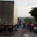 GREVE DOS CAMINHONEIROS: RODOVIAS SÃO DESBLOQUEADAS NA BAHIA