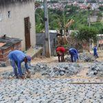 UBAITABA : PREFEITURA DA INICIO EM OBRAS DE CALÇAMENTO NO BAIRRO ZITÃO